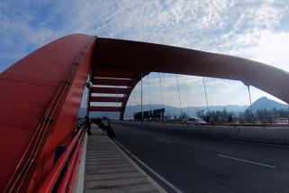 Jembatan Merah, cara lain menikmati Jayapura